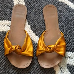 Sateen knot, mustard colored sandals